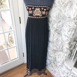 Xhilaration embroidered boho maxi dress NWT XS